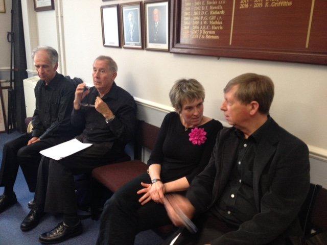 Guto, Dafydd, Linda a David